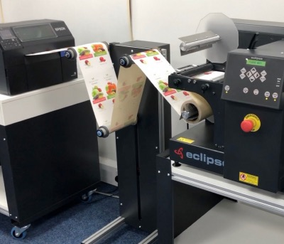 Accumulator for in line use of Mini + Finisher and Epson C6500Ae 8 inch colour label printer